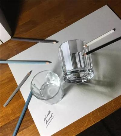 一组外国物品超写实彩铅画作品欣赏