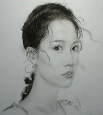 女明星李沁怎么畫?詳細的素描步驟有哪些?