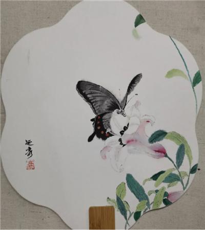 百合花上的蝴蝶怎么画?详细的工笔画步骤有几步?